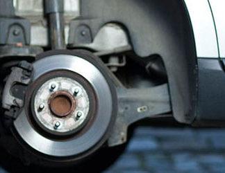 Jak należy wymieniać opony samochodowe?