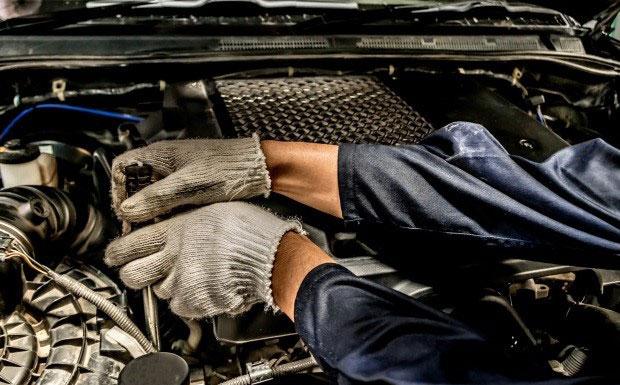 Układ zapłonowy w samochodzie. Zadbaj o niego przed zimą, inaczej nie odpalisz silnika!