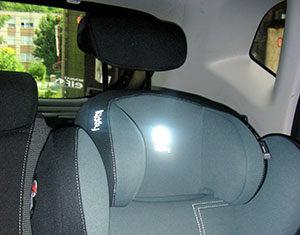 Wybór fotelika samochodowego dla dzieci i montaż na Isofix